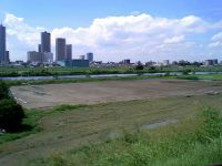多摩川ガス橋緑地球技場1