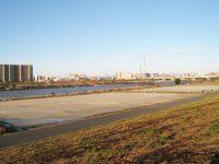 鹿浜橋緑地球技場1