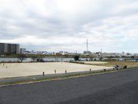 鹿浜橋緑地球技場2