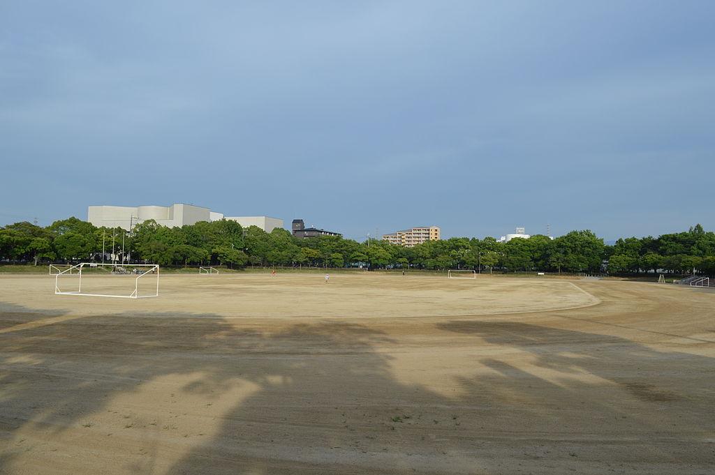 岸和田市中央公園スポーツ広場   FOOTBALL JUNKY