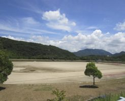 南山スポーツ公園陸上競技場