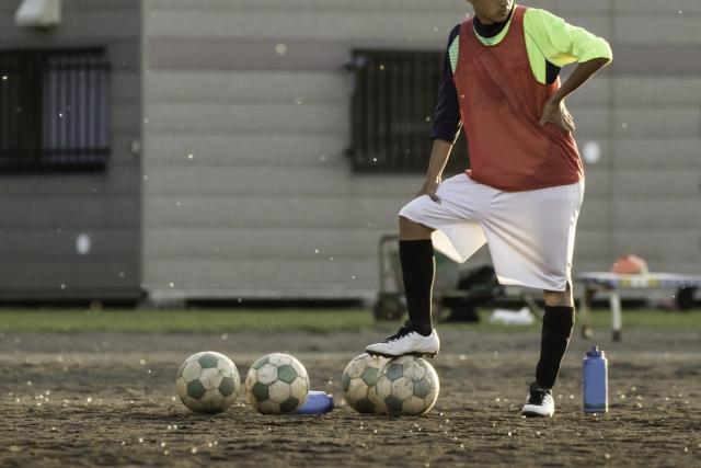 逆足でのサッカー練習