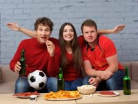 サッカーをテレビで観るときの楽しみ方!